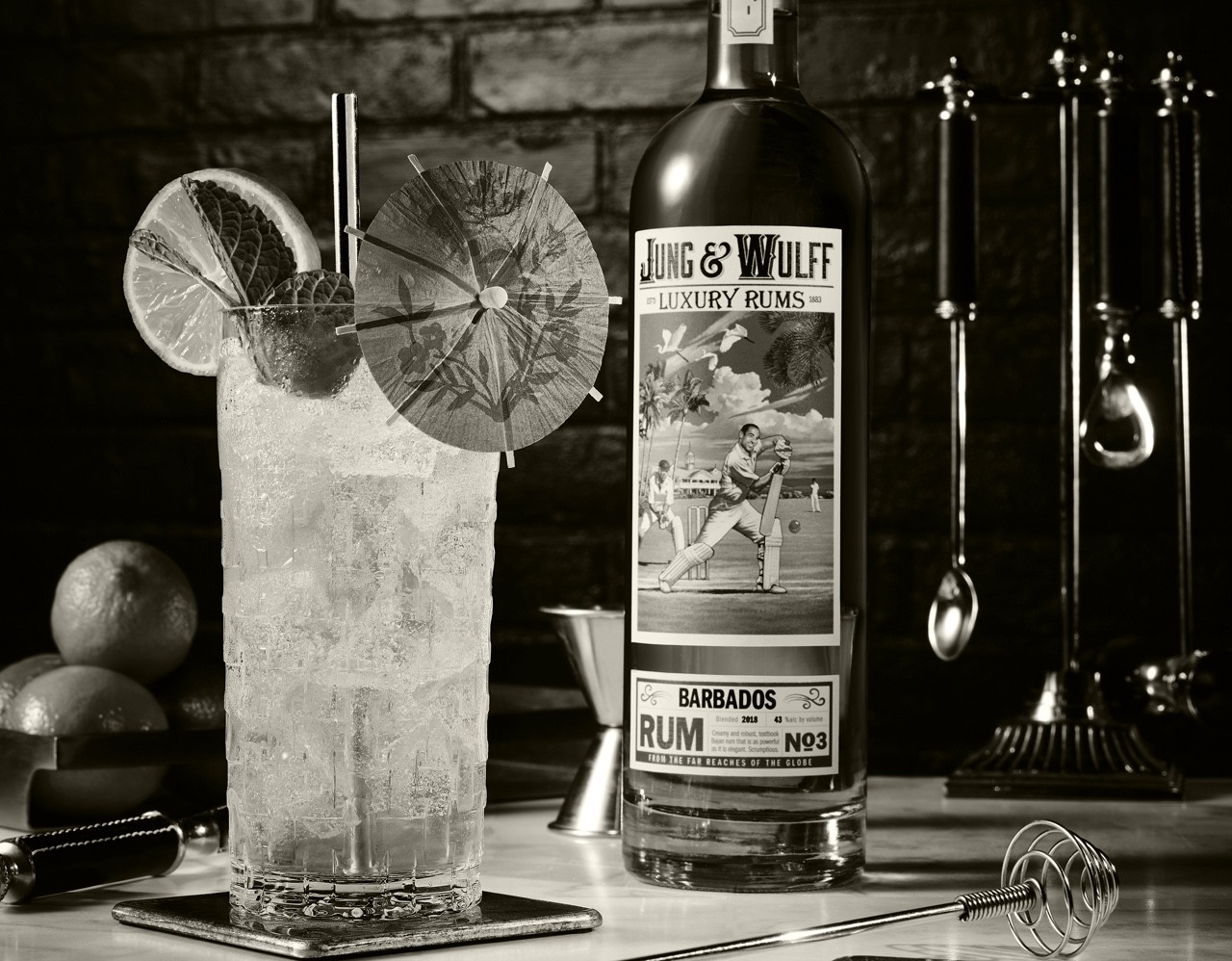 Black and white Jung & Wulff Barbados Cocktail